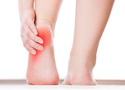 交通事故足の痛み足関節捻挫しびれむくみ